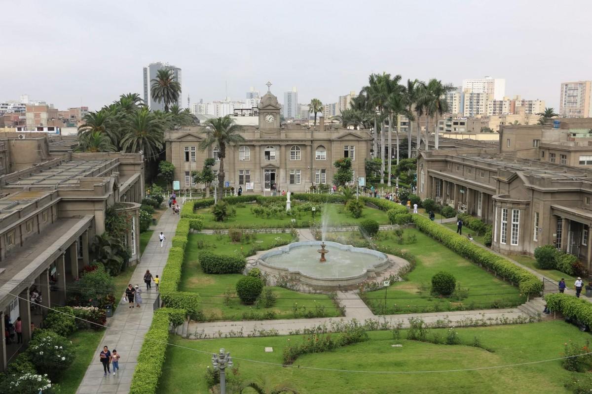Cinco términos del español médico peruano